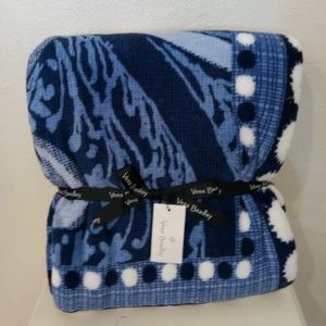 Blanket throw Vera Bradley blue paisley Indio